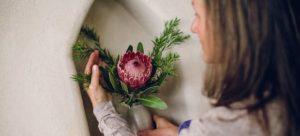 Arranging flower